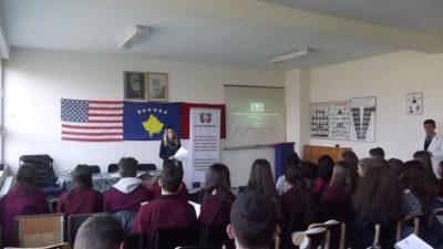 Mbahet trajnimi mbi pjesëmarrjen e të rinjëve në vendim-marrje dhe politikë bërje